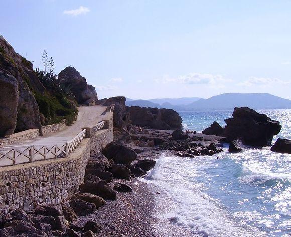 coastal path to ixia