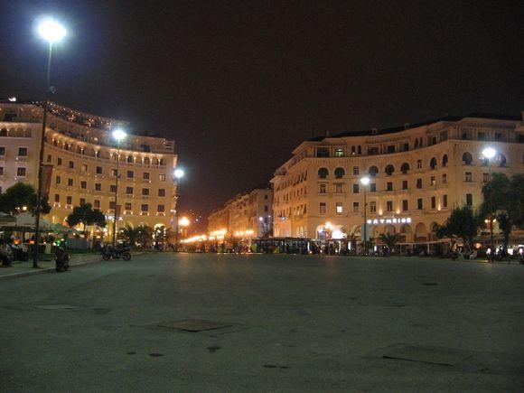 Platea Aristoteles by night