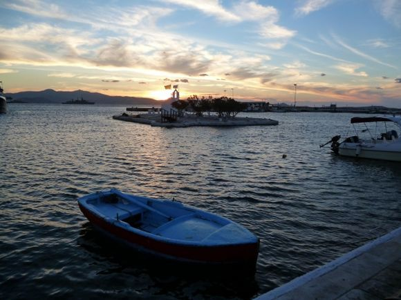 A beautiful sunset at the waterfront of Naxos.
