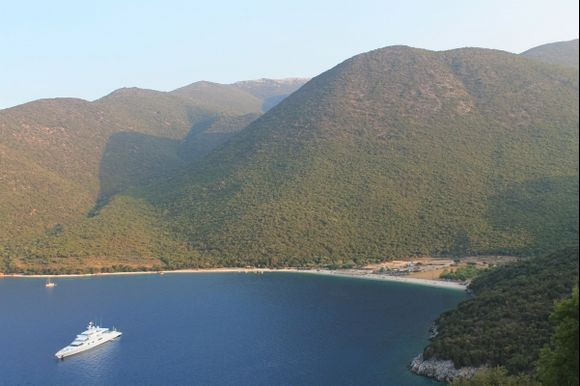 Antisamos from the road