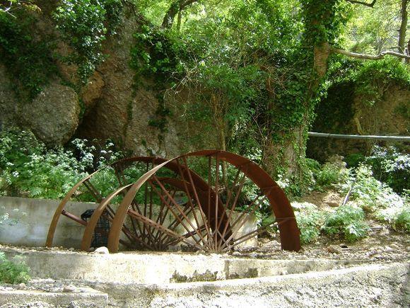 Old wheel in Mega Spileo