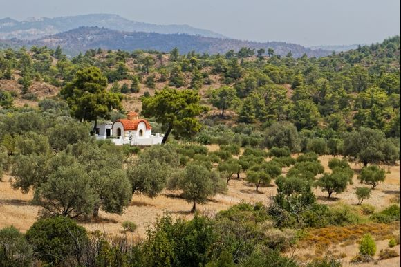 On the road to Agios ISIDOROS