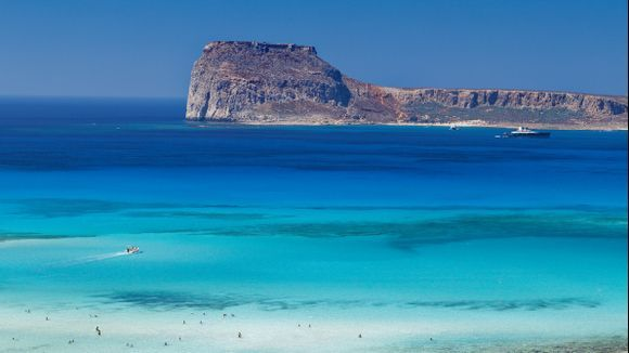 GRAMVOUSSA FROM BALOS BAY