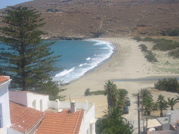 Hora; the beach