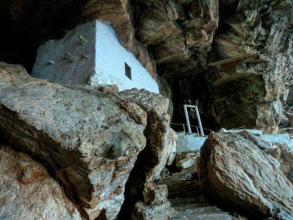 Agios Stefanos, magic cave!